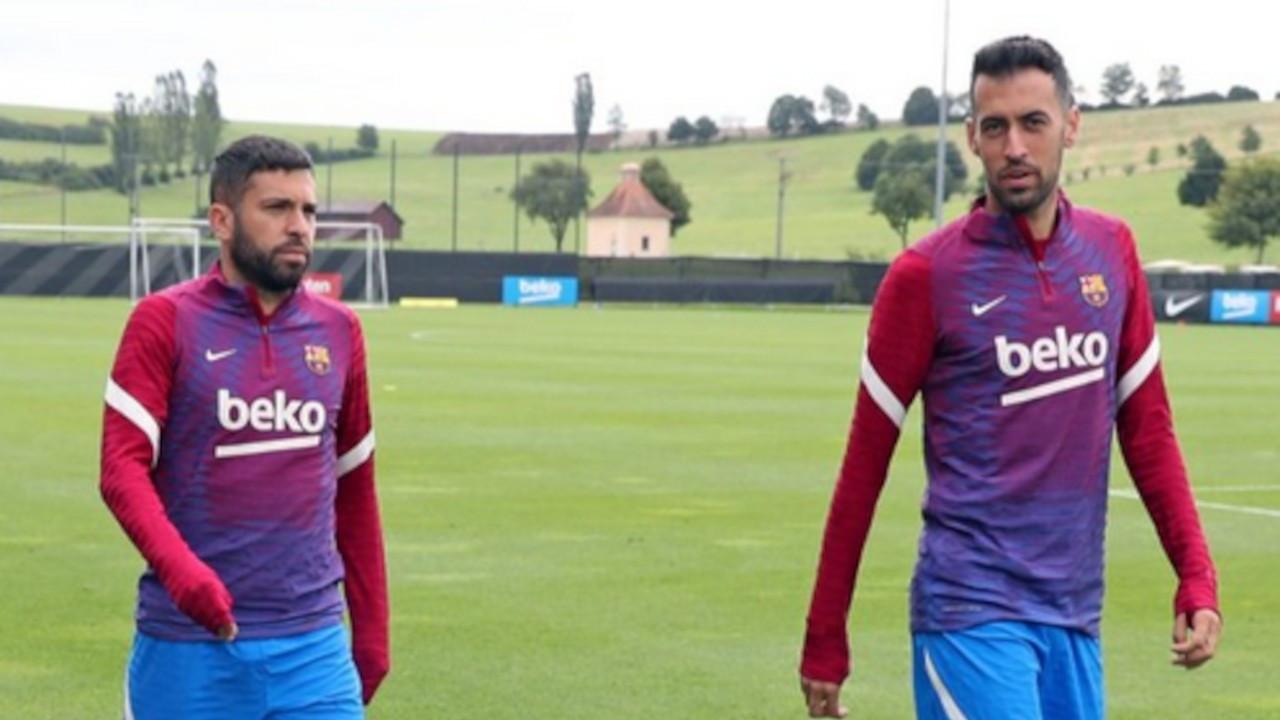 Sergio Busquets ve Jordi Alba maaşlarında indirim yaptı