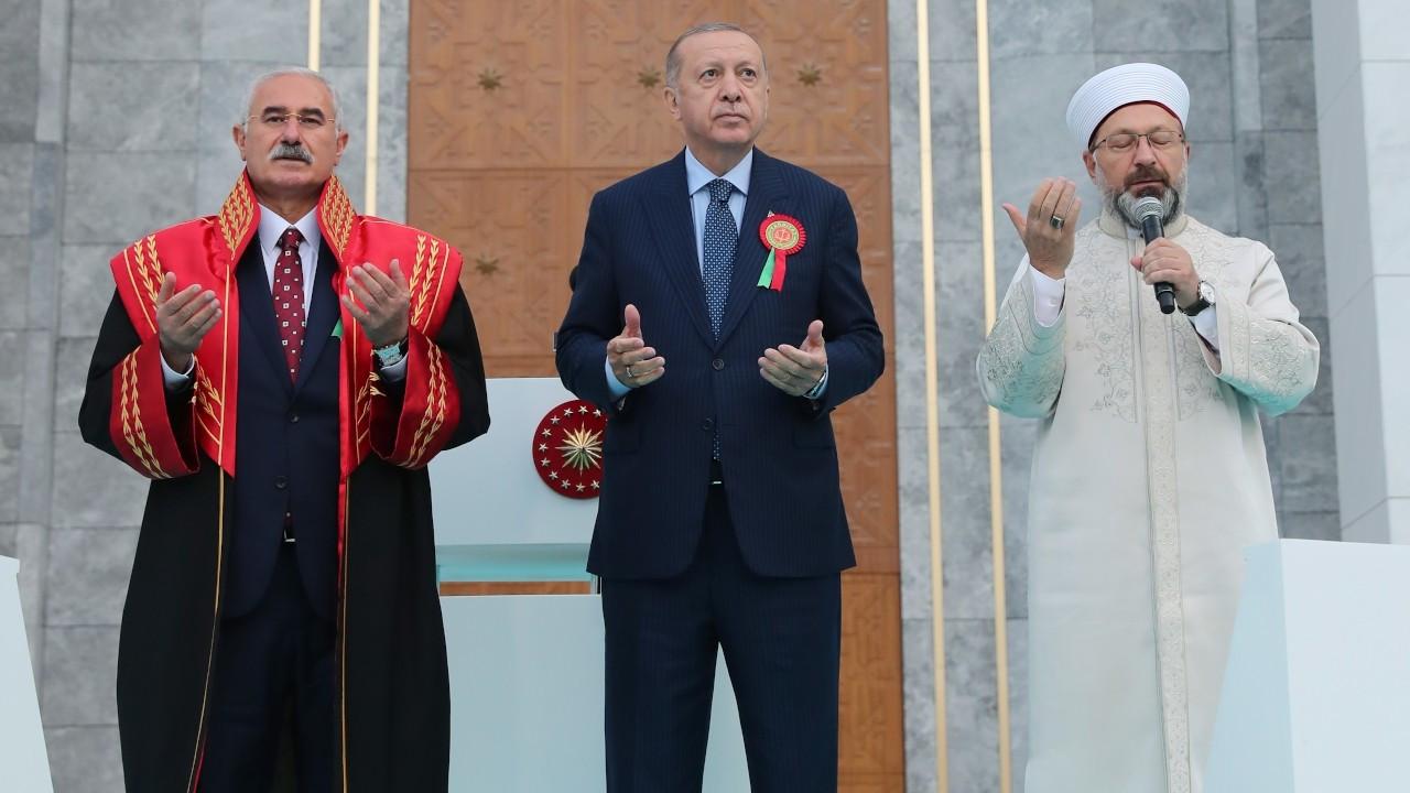 Erdoğan: Yeni anayasa çalışmamızı gelecek yıl açıklayacağız