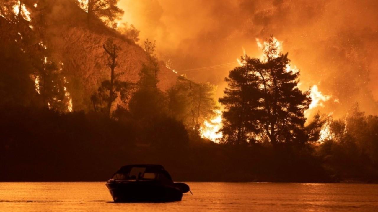 Yunanistan'daki yangınlara otuz yıllık siyasal başarısızlık yol açtı