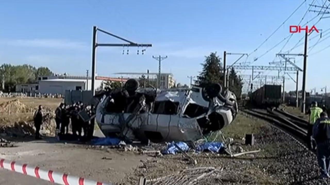 Tekirdağ'da yük treni, minibüse çarptı: 6 ölü