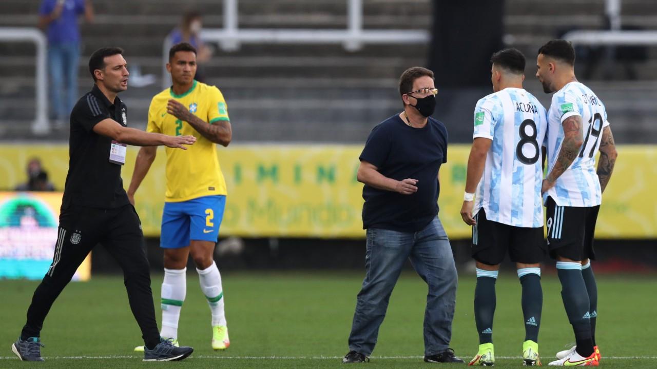 Brezilya-Arjantin maçında sınır dışı krizi
