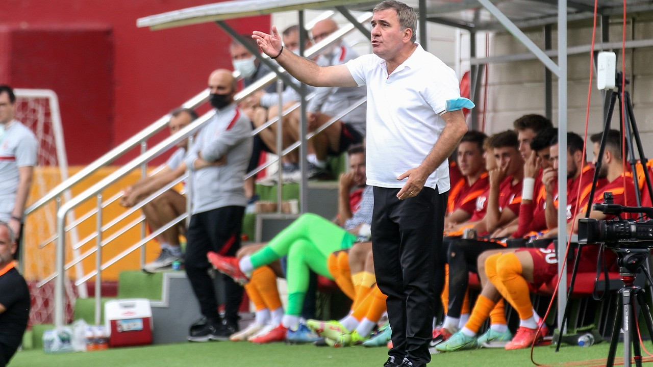 Galatasaray hazırlık maçında Hagi'nin takımına yenildi