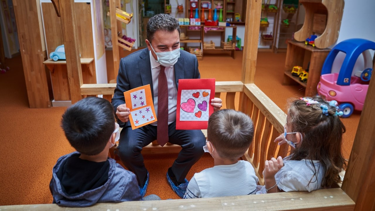 Babacan: Zorunlu eğitim 3 yaşında başlamalı
