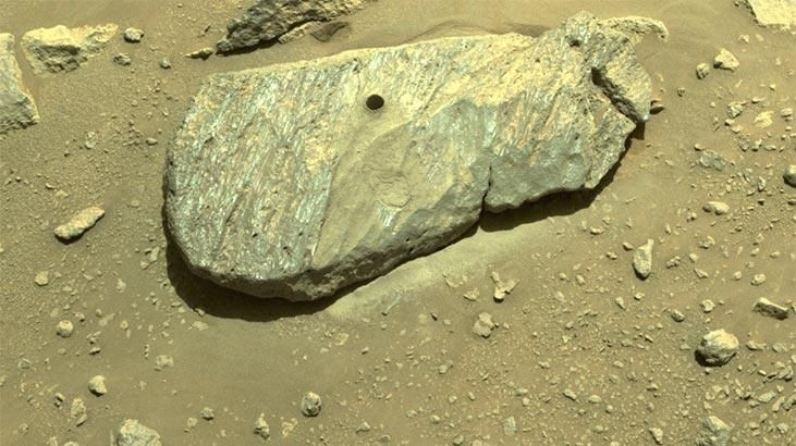 Mars'tan ilk kaya örneği alındı - Sayfa 1