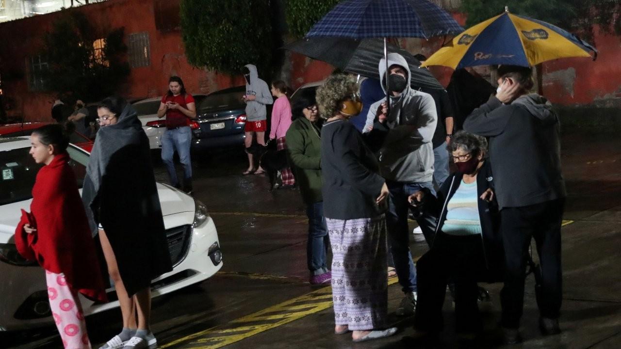 Meksika'da 7 büyüklüğünde deprem