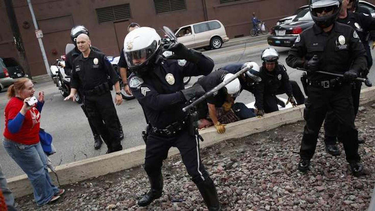 Af Örgütü: Polis coplarının kötüye kullanımı dünya çapında bir sorun