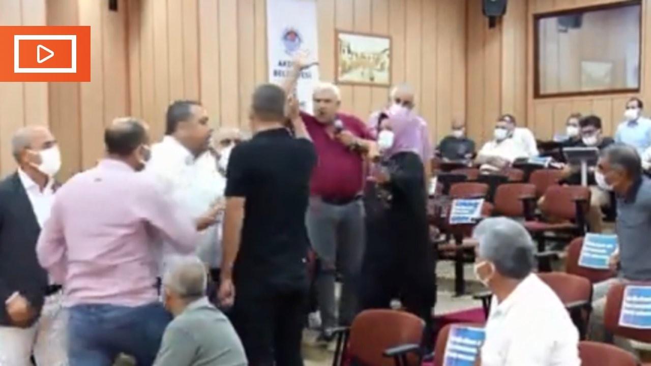 Akdeniz Belediye Meclisi'nde 'Öcalan'ın hevalleri' tartışması