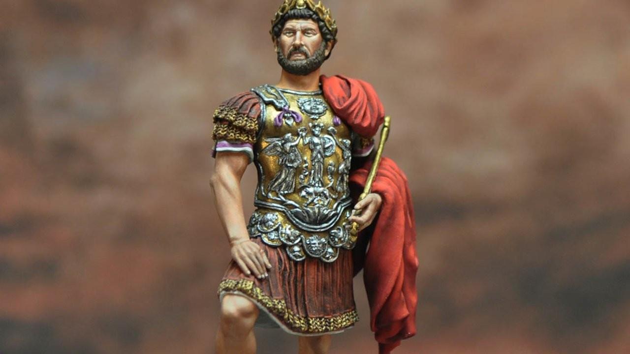 Roma İmparatoru Hadrianus'a ait 1900 yıllık heykel bulundu