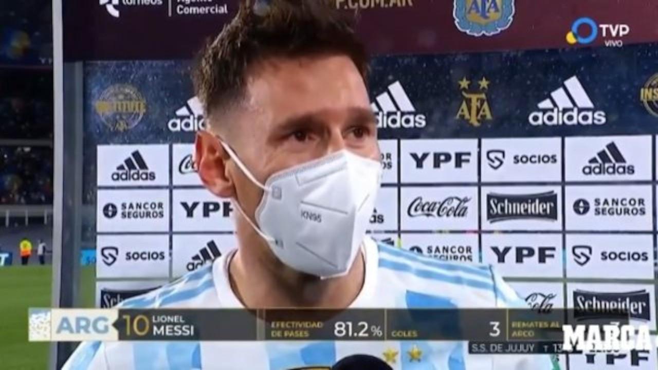 Messi, rekoru kırdı ağladı