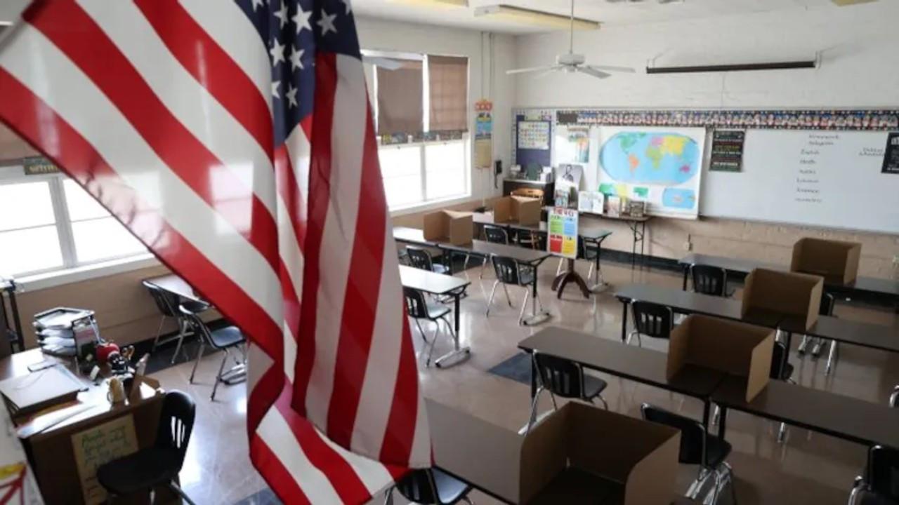 Los Angeles'taki okullarda Covid-19 aşısı zorunlu oldu