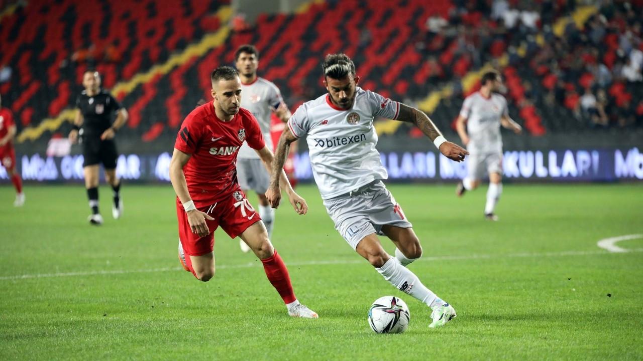 Gaziantep sahasında Antalyaspor'u 2 golle geçti