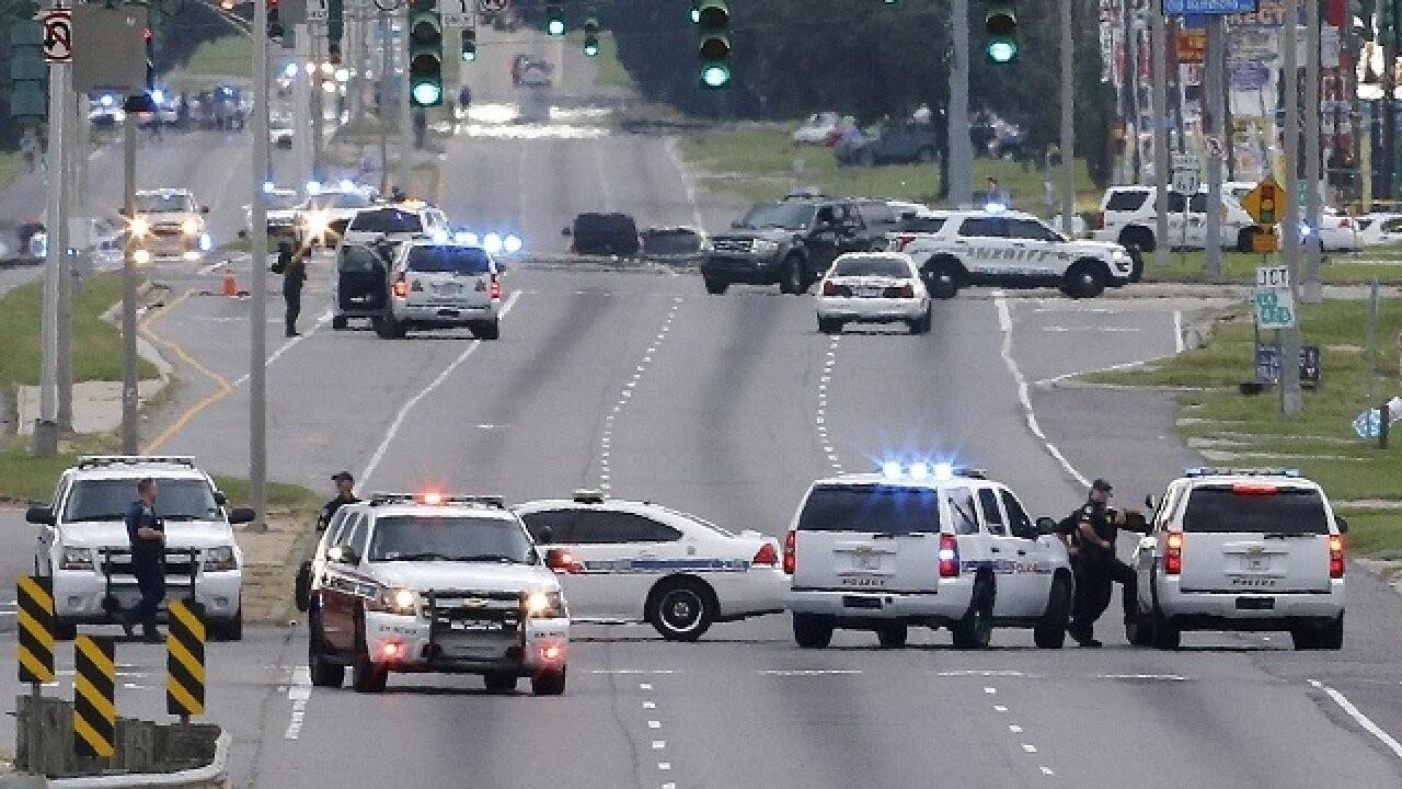 Yolda kavga eden sürücüler üçüncü bir aracın çarpması sonucu öldü