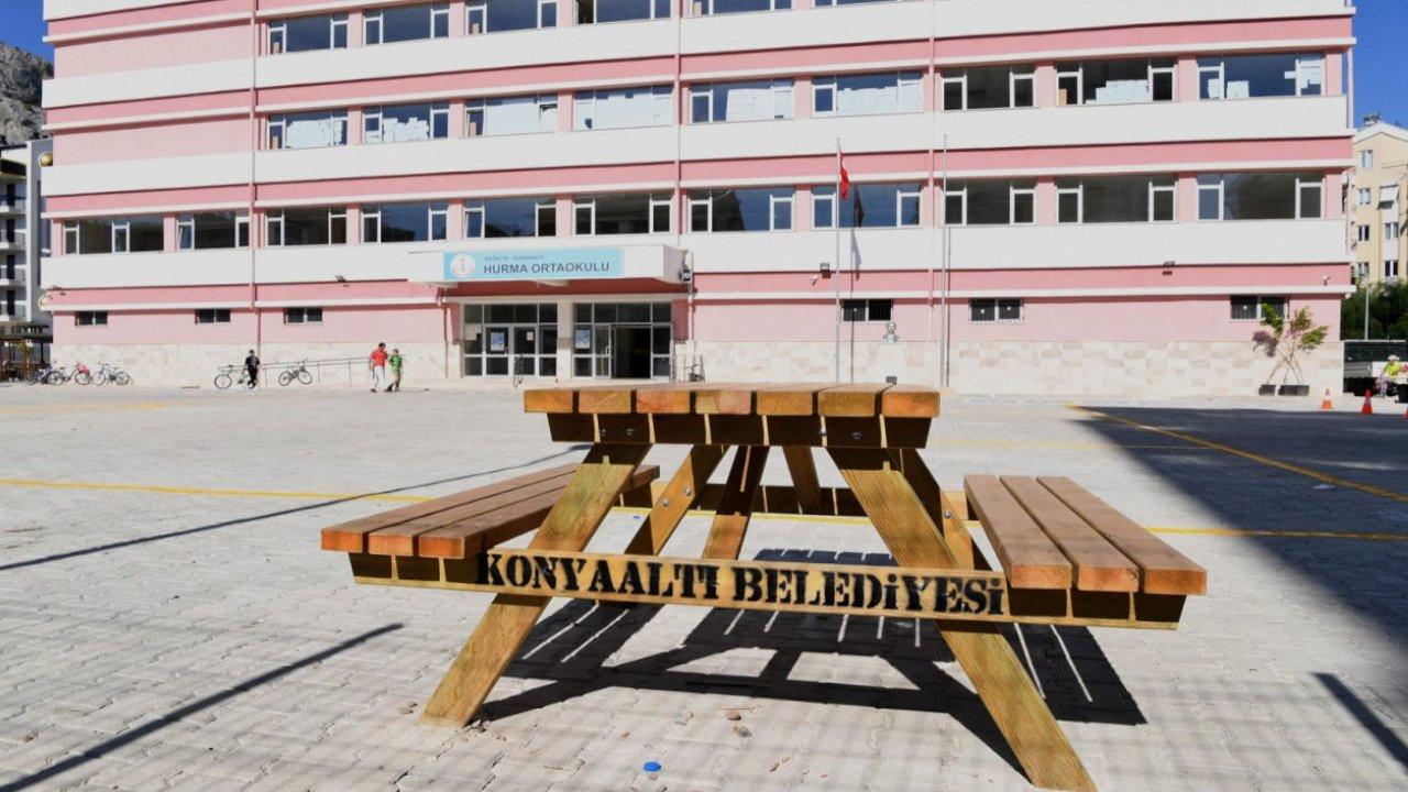 Antalya'da öğretmenden öğrencilere: Ağzınızı yüzünüzü dağıtırım
