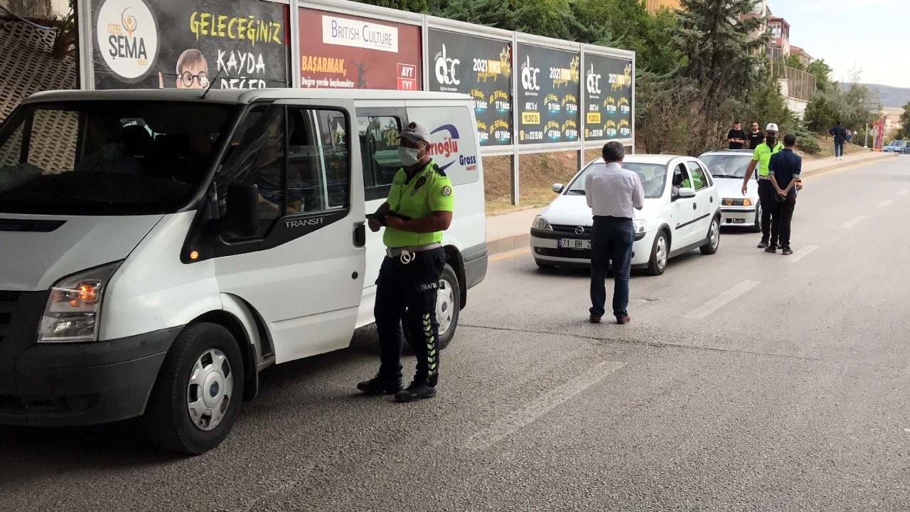 Karantina ihlali yapan 3 kişilik aileye 12 bin 150 lira ceza