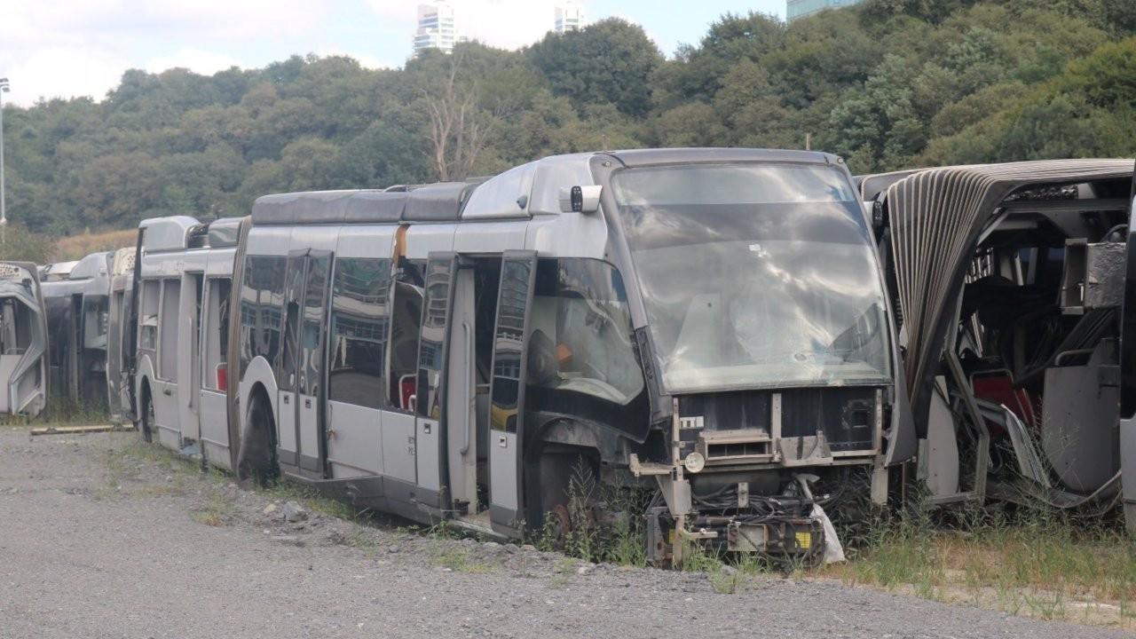 Hollanda'dan alınan metrobüsler çürüyor