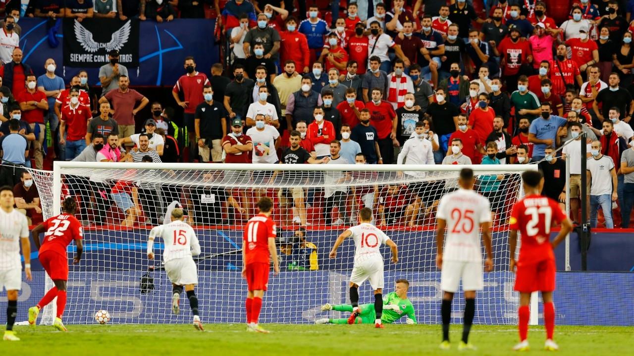 4 penaltı kullanılan maçta Sevilla ve Salzburg berabere kaldı