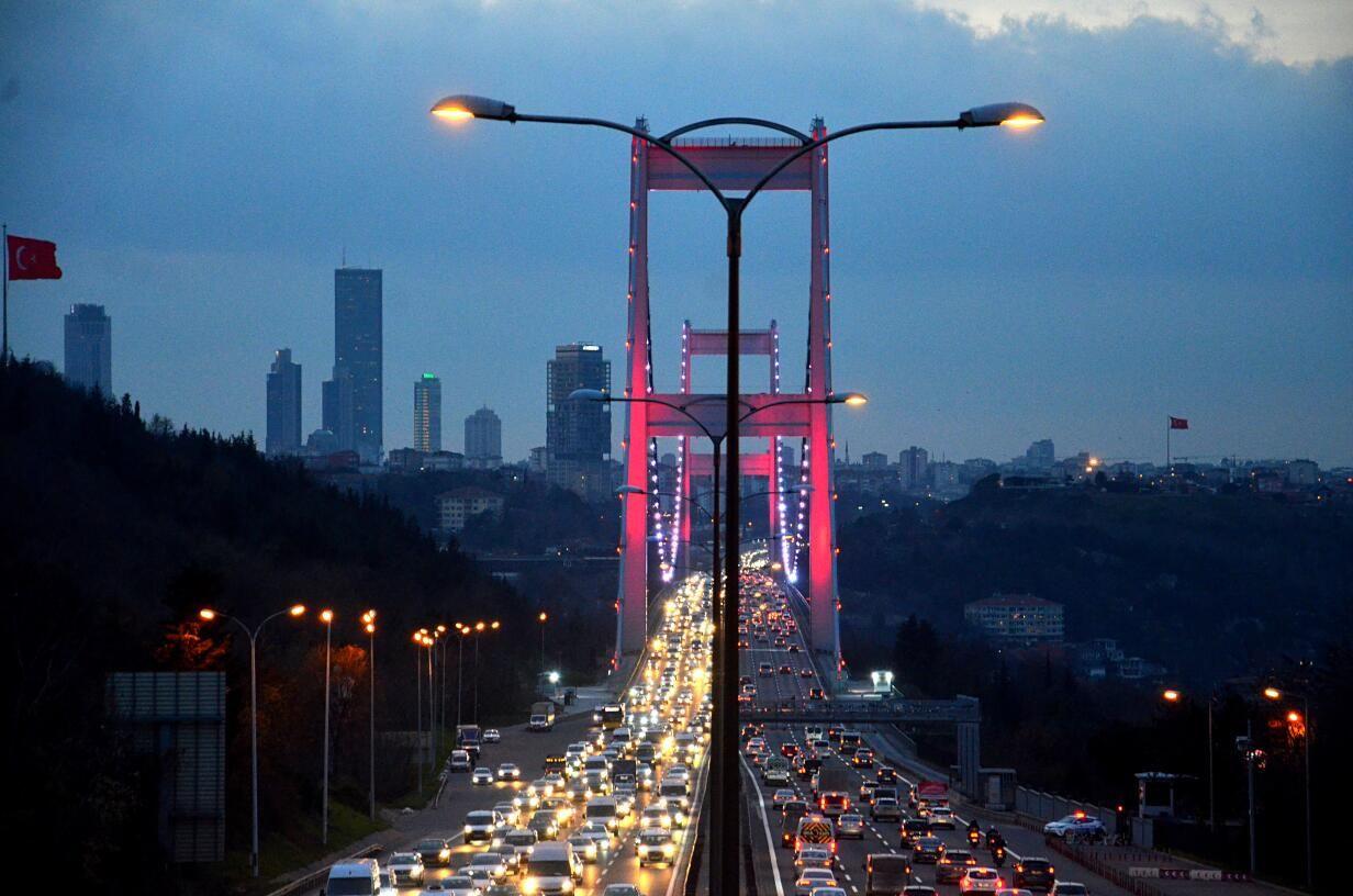 Salgın İstanbul'da toplu taşıma kullanımını yarı yarıya düşürdü - Sayfa 1