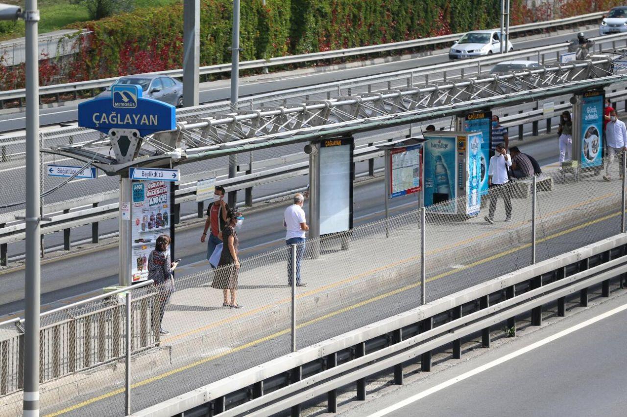 Salgın İstanbul'da toplu taşıma kullanımını yarı yarıya düşürdü - Sayfa 3