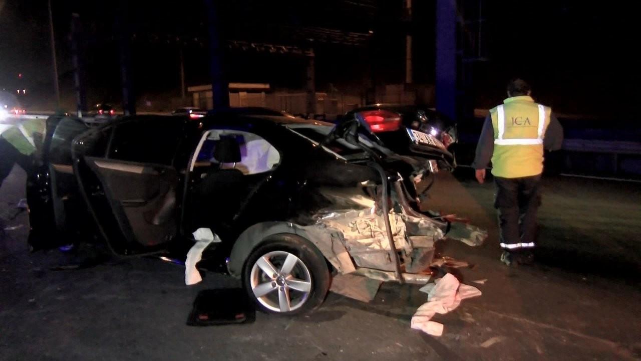 İstanbul'da kazaya yardım edenlere otomobil çarptı: 1 ölü, 6 yaralı