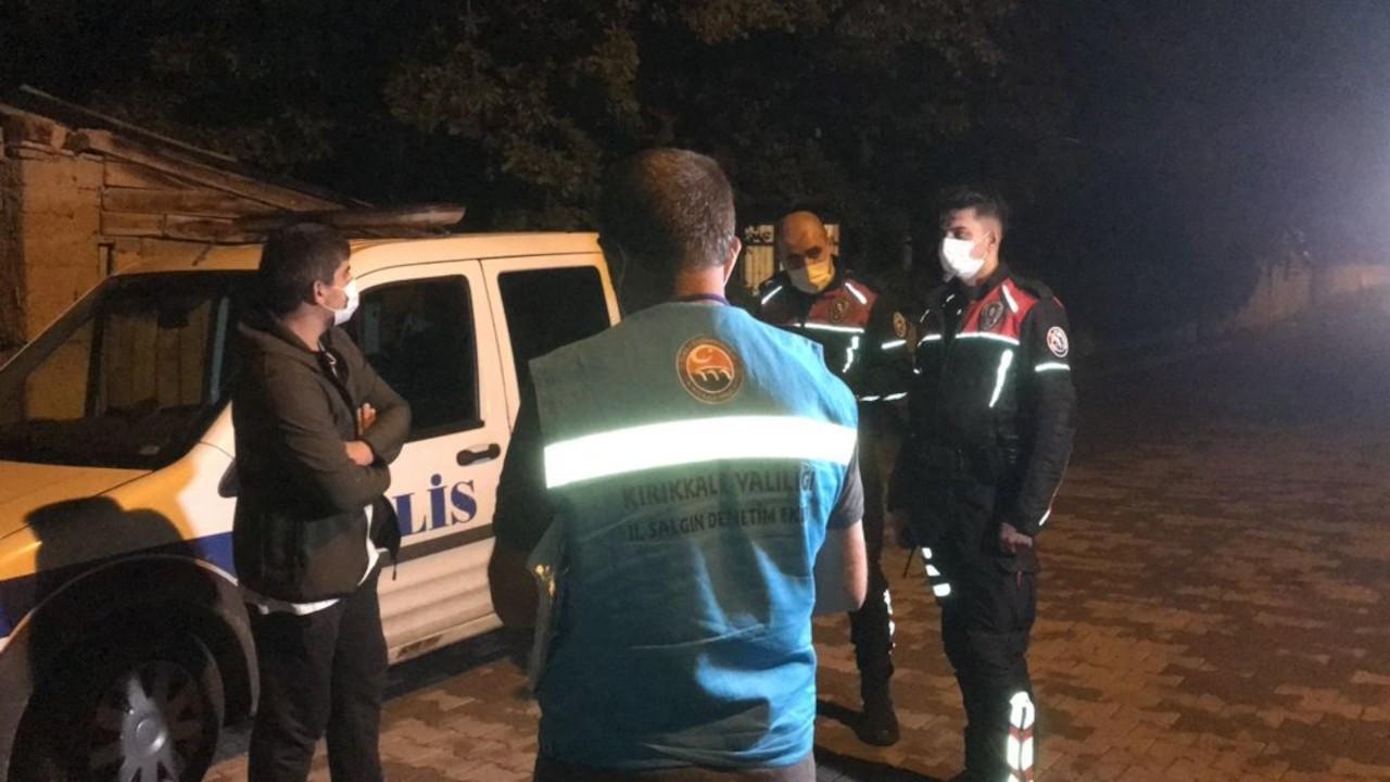 Covid-19 testi pozitif olan kişi, polis denetiminde yakalandı