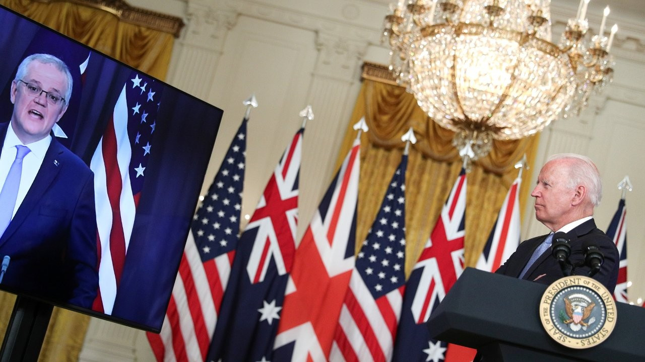 Biden Avustralya Başbakanı'nın adını unutup 'aşağıdaki adam' dedi