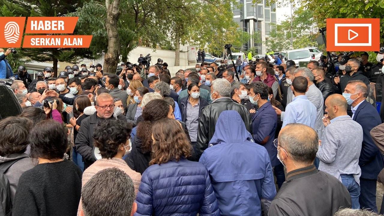 HDP'liler, genel merkezde çadır kurmak isteyen Laçin'e tepki gösterdi