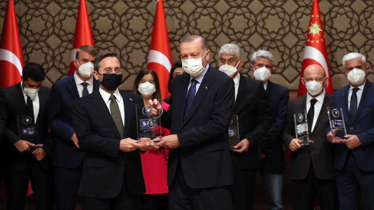 Erdoğan'ın dağıttığı medya ödüllerinde Sedat Peker detayı: Listede var, törende yok - Sayfa 1