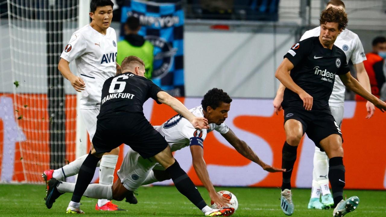 Fenerbahçe Frankfurt'tan 1 puanla döndü
