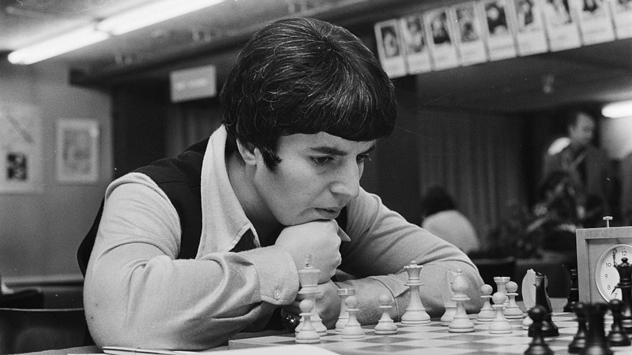 Sovyet satranç ustası Netflix'e cinsiyetçilik davası açtı