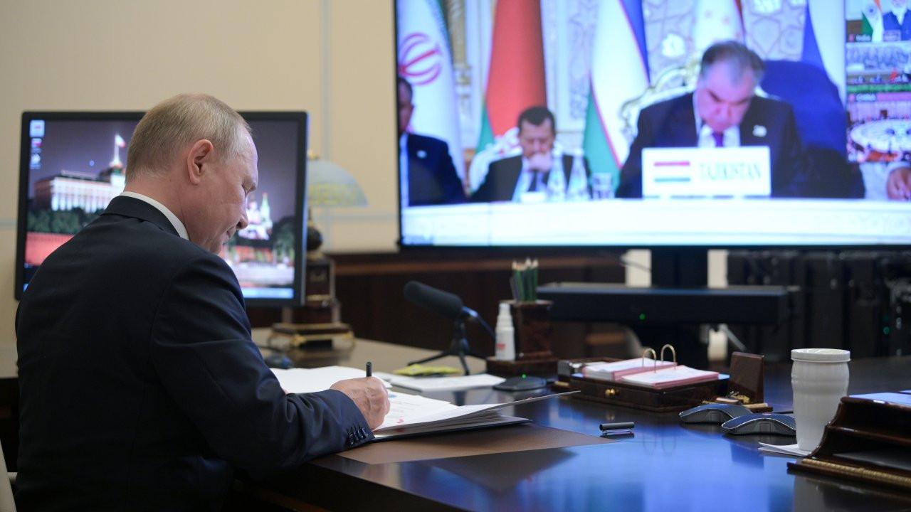 Putin: Taliban hükümetiyle çalışmak gerekiyor