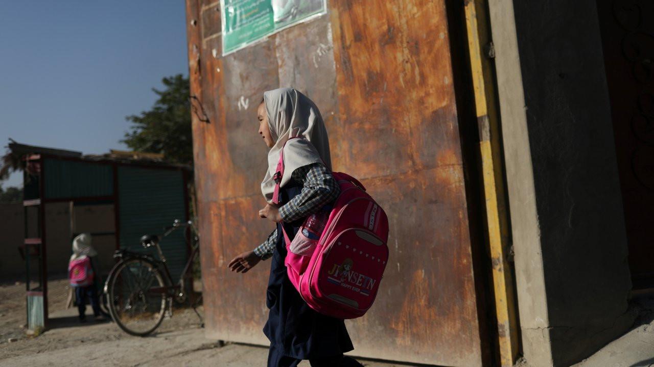 Taliban'ın Afganistan'ında kız öğrenciler okullara çağrılmadı