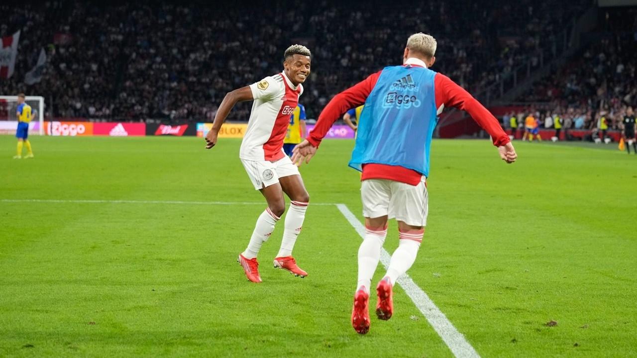 Ajax farklı kazandı: 9-0