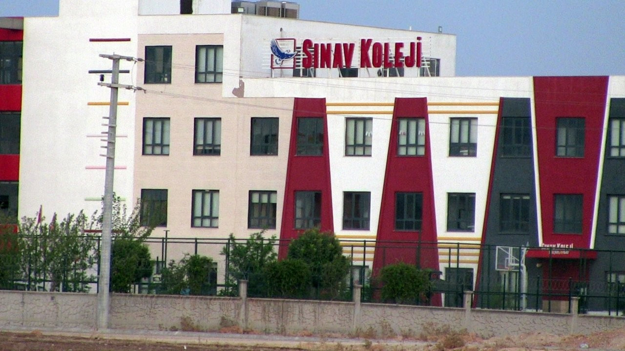 Mardin'de 12 yaşındaki iki öğrenci 'ahlaka aykırılık' gerekçesiyle okuldan atıldı