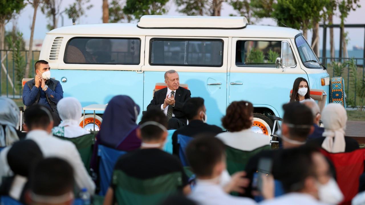 Erdoğan: Sosyal medya en önemli tahrik unsuru
