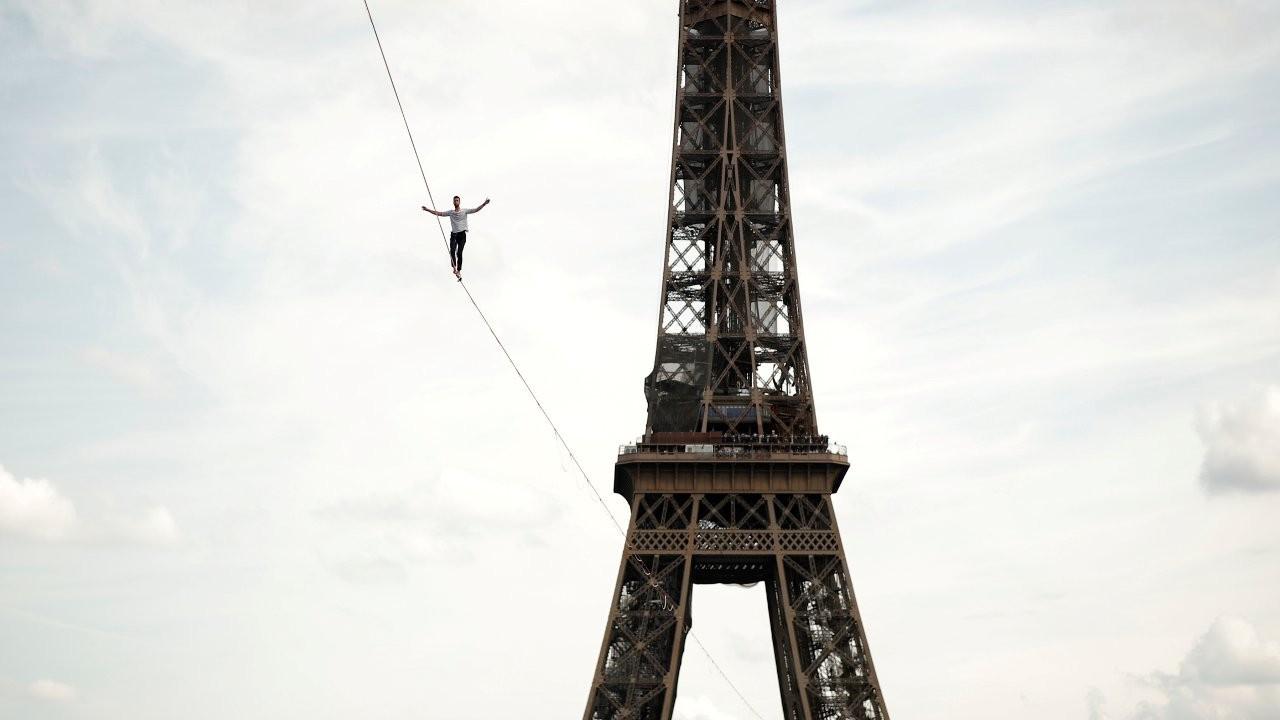 Fransız ip cambazı Paulin, yerden 70 metre yüksekte 600 metre yürüdü