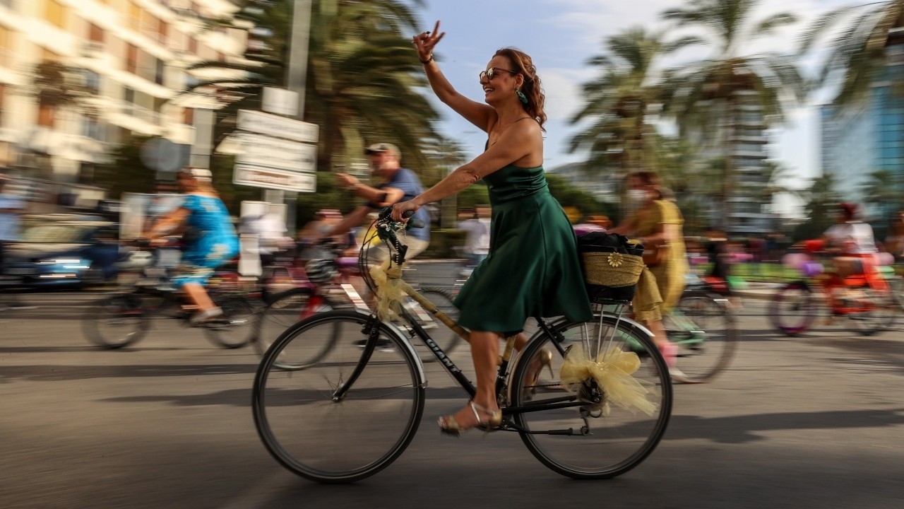'SüslüKadınlar' 155 şehirde bisiklet sürdü