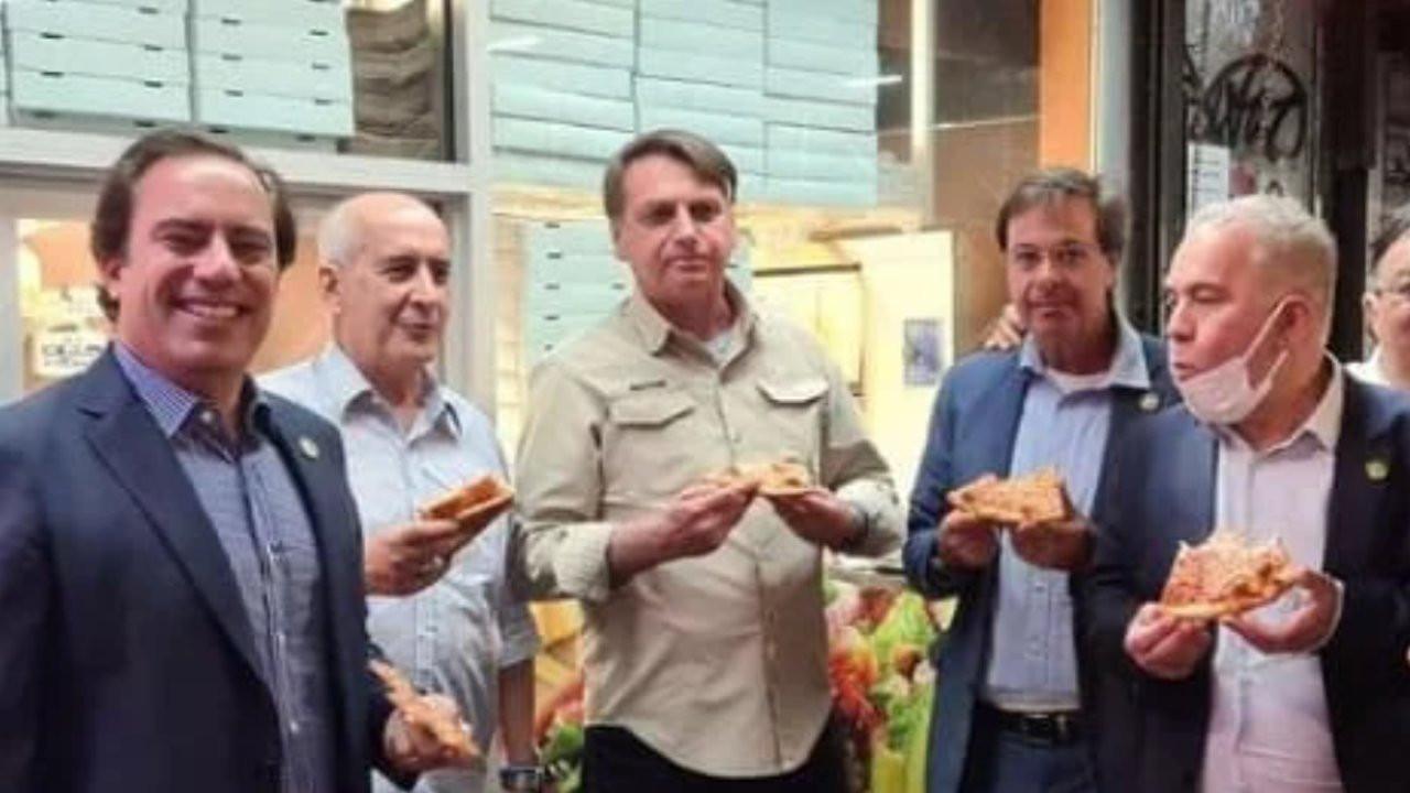 Aşı yaptırmayan Bolsonaro New York'ta pizzacıya alınmadı