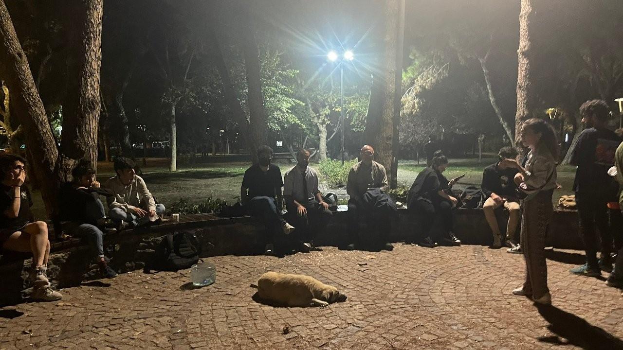 Öğrenciler yurt ve kira ücretlerine karşı sokakta sabahladı