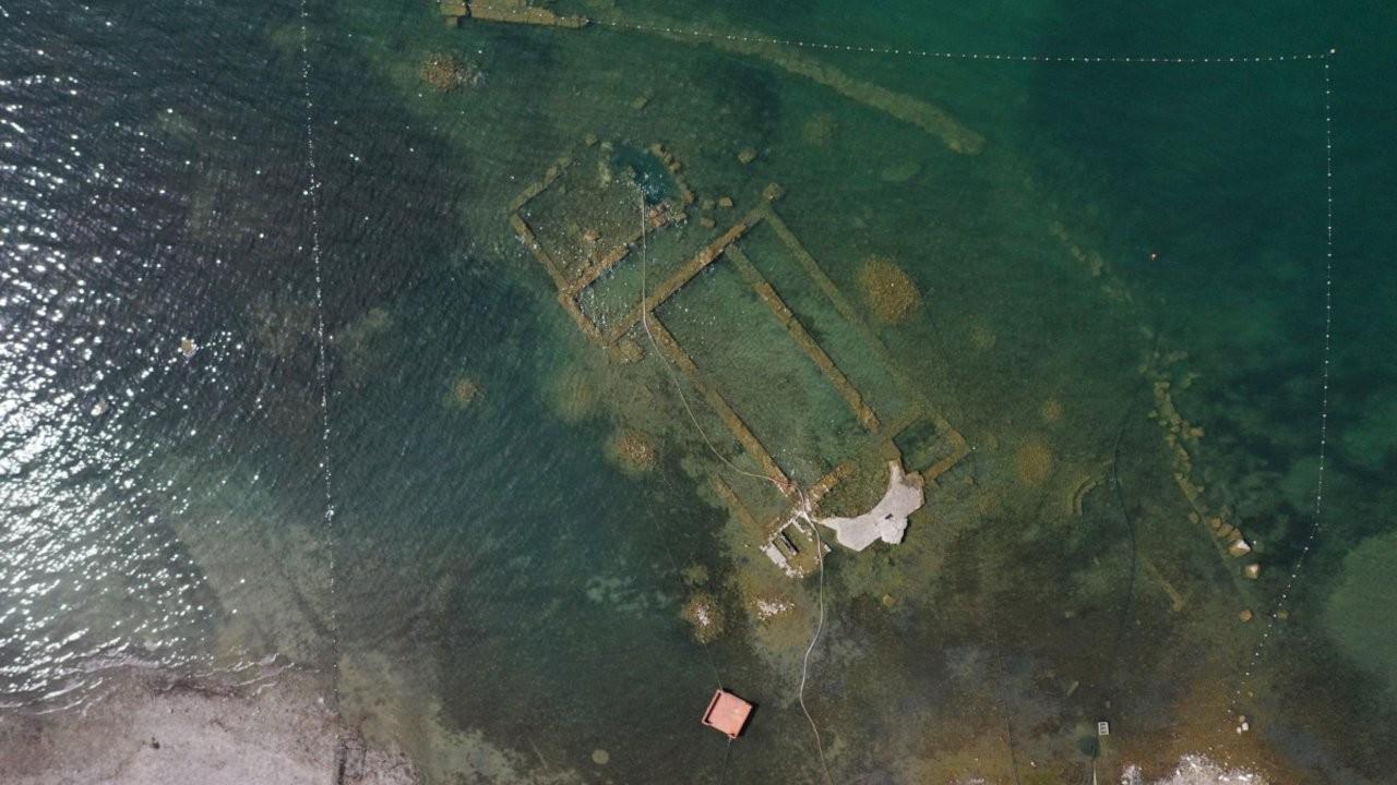 İznik gölünde sular çekildi,1500 yıllık bazilika ortaya çıktı
