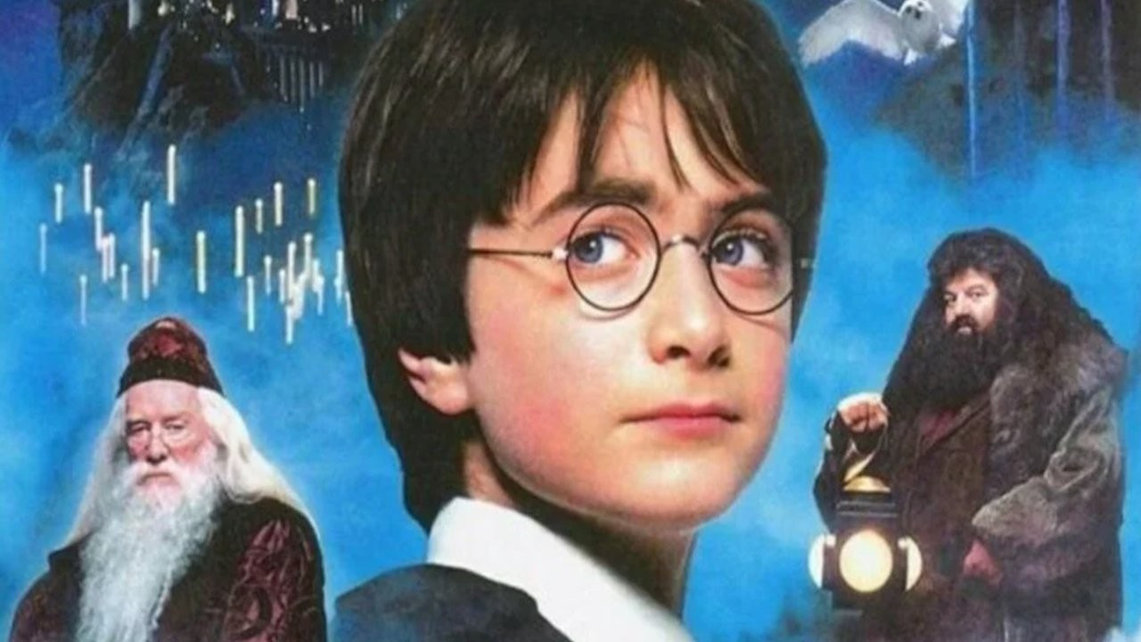 Harry Potter, ilk baskı Felsefe Taşı kitabını satışa çıkardı