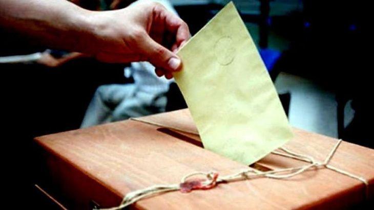Yöneylem anketi: AK Parti bir ayda 3 puan kaybetti - Sayfa 1