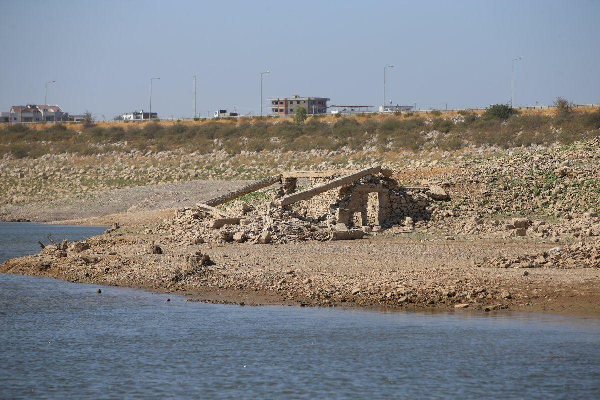 Bodrum'un su kaynağı Mumcular Barajı kurudu: Eski fabrika ve kara yolu ortaya çıktı - Sayfa 3