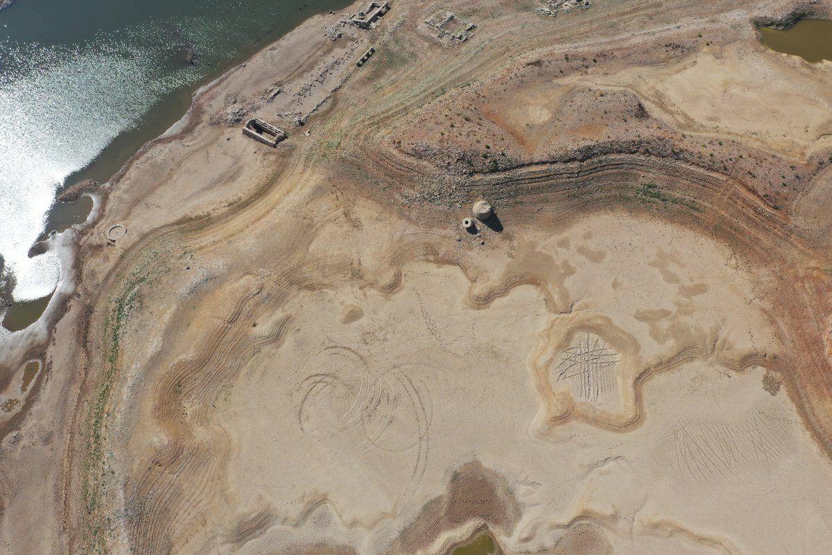 Bodrum'un su kaynağı Mumcular Barajı kurudu: Eski fabrika ve kara yolu ortaya çıktı - Sayfa 4