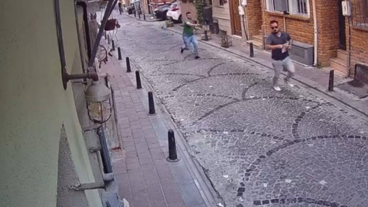 Sinemasal kurucusu Enes Kaya'ya Balat'ta 'haraç' saldırısı