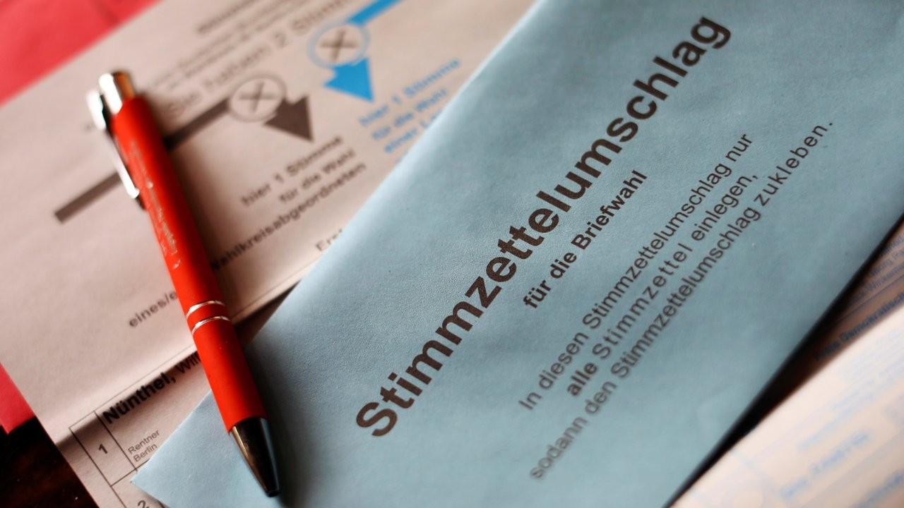 Sandık başındaki Almanya için koalisyon senaryoları