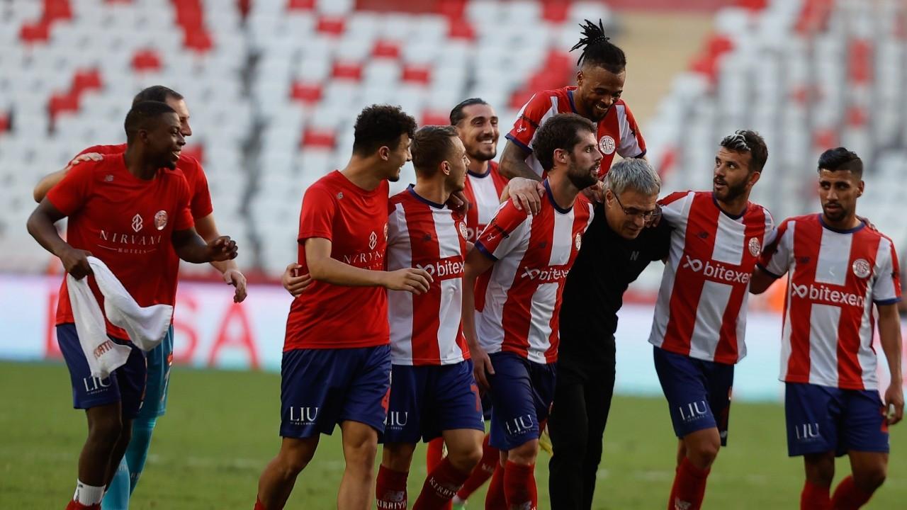 Antalyaspor son dakikalarda bulduğu golle kazandı
