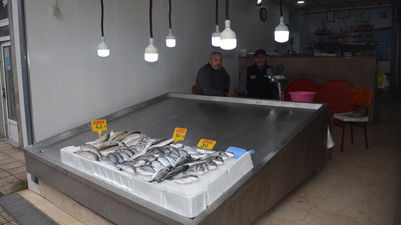 Balık tezgahlarında fırtına etkisi: Fiyatlar katlandı