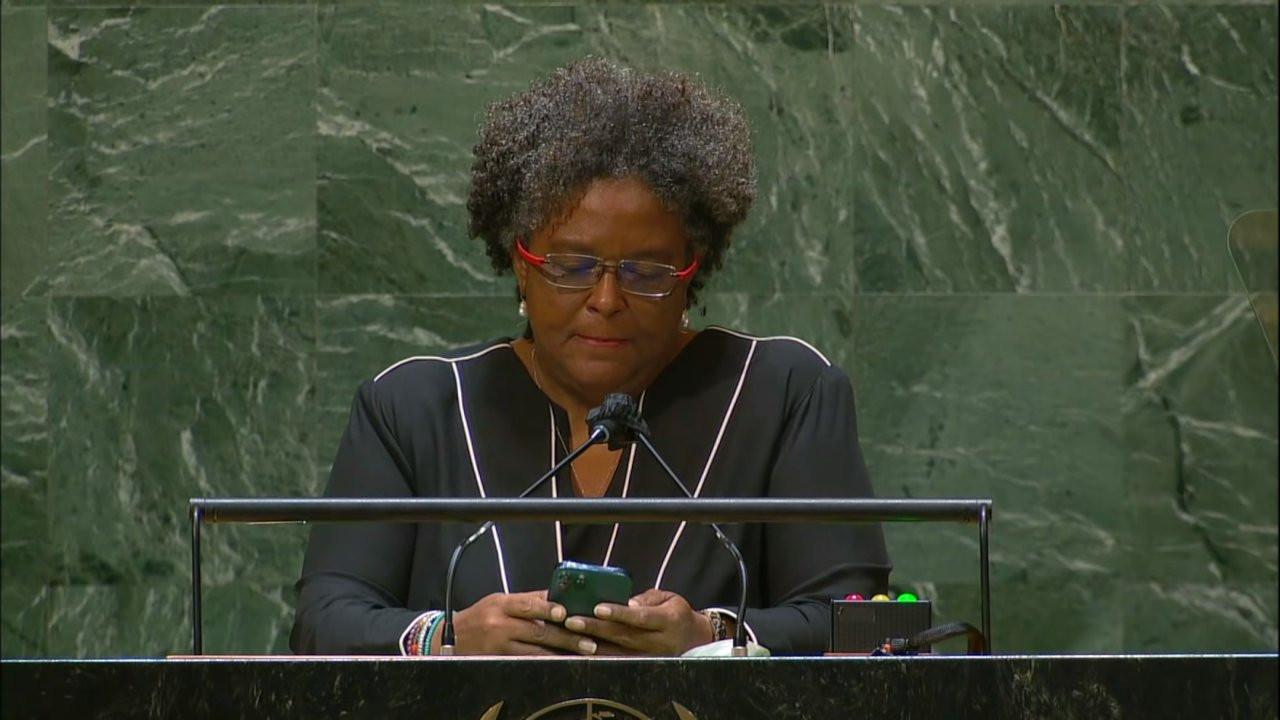 Barbados Başbakanı, boş BM salonuna telefondan konuşma okudu