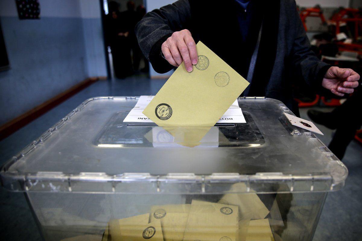 Seçim anketindeki sürpriz: Gençlerden iki ittifakla ilgili soruya yüzde 12 HDP yanıtı - Sayfa 1