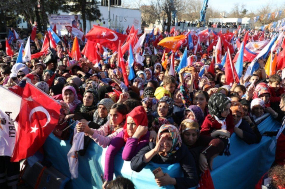 Seçim anketindeki sürpriz: Gençlerden iki ittifakla ilgili soruya yüzde 12 HDP yanıtı - Sayfa 4